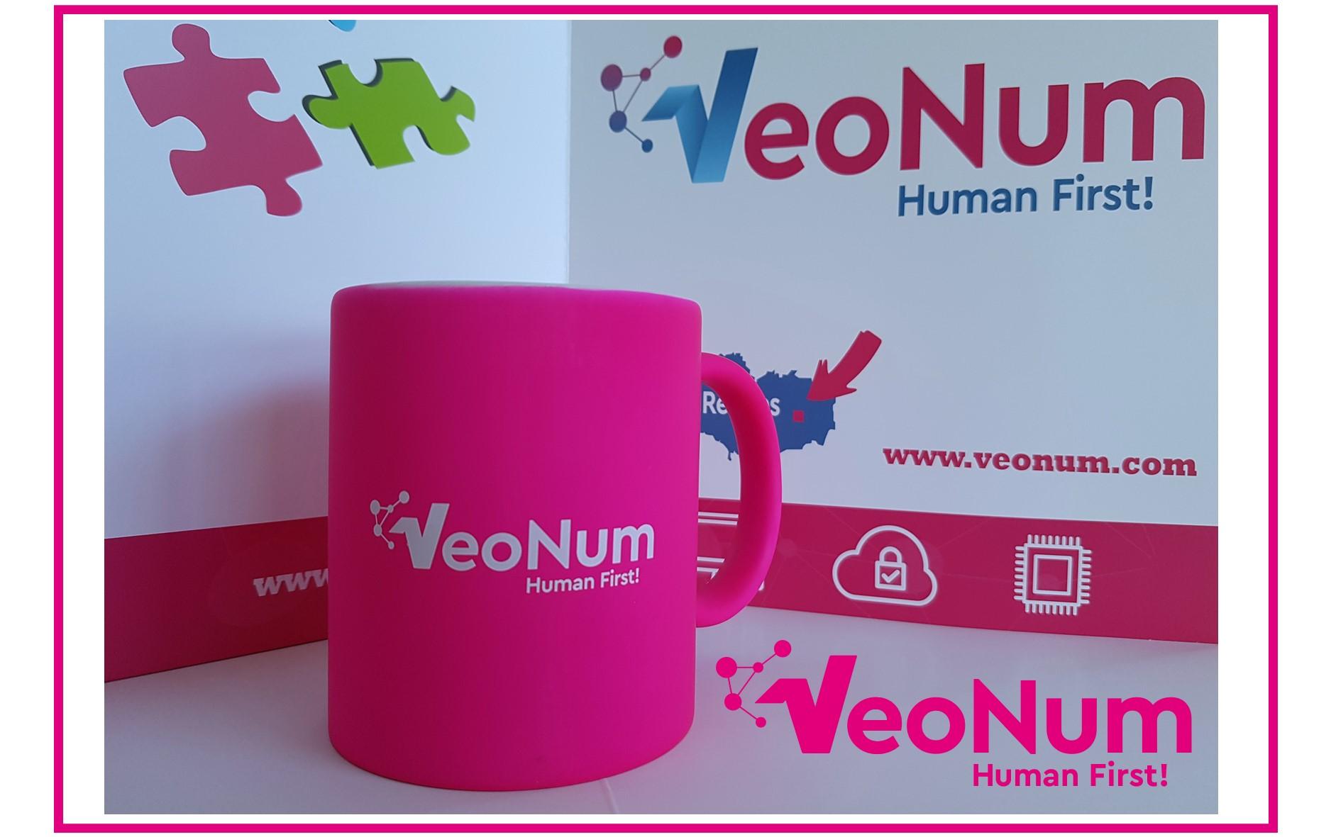 Tasse Veonum 2019 – Nouveau logo